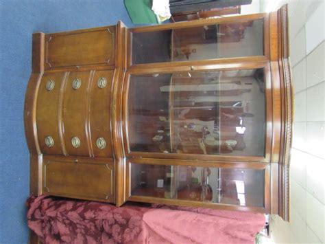 Drexel China Hutch - lot detail vintage drexel mahogany china hutch