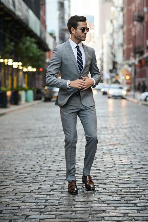 grauer anzug braune schuhe die richtigen business kleider machen karriere