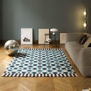 Tapis Salon Blanc : tapis laine moderne invitez les couleurs et le style ~ Teatrodelosmanantiales.com Idées de Décoration