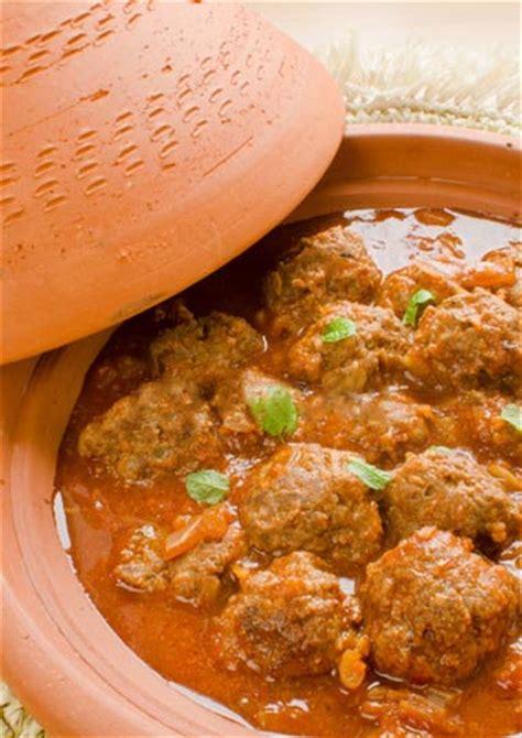 cuisine marocaine tajine tajine de boulettes de kefta à la marocaine recette ramadan