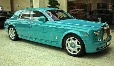 rolls royce phantom  epic turquoise