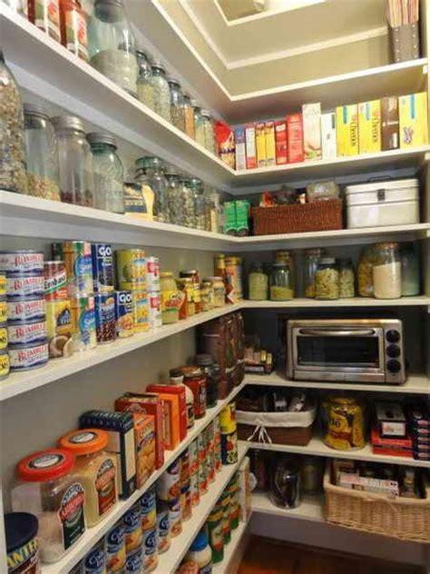 economat cuisine etagere cellier cuisine plateau étagères de cuisine garde