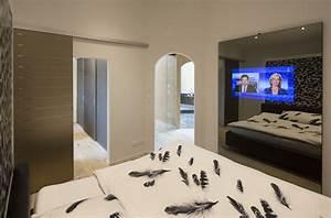 Tv Im Schlafzimmer : spiegel im schlafzimmer ~ Markanthonyermac.com Haus und Dekorationen