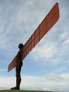 File:Angel of the North-AW.jpg - Wikimedia Commons