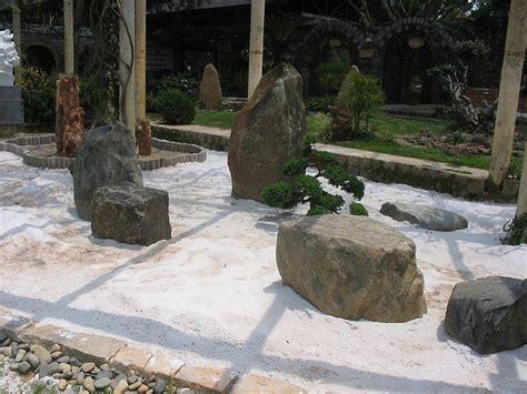 Steine Im Garten  So Verschönern Sie Den Außenbereich