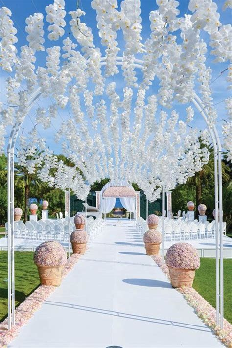 LUXURY OUTDOOR WEDDING CEREMONY INSPIRATION Sonal J