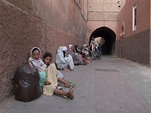 Giving alms to the poor in Marrakech | Morocco ...