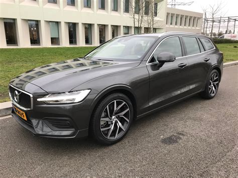Volvo V60 T5 by Volvo V60 T5 Geartronic Momentum Automaat Blankert