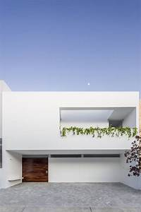 A Bright Mexican Home Integrated With Nature