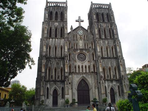 hanoi cathedrale la cathedrale de san jose  hanoi vietnam