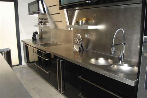 cuisine professionnelle pour particulier plaque inox brosse pour cuisine maison design bahbe com