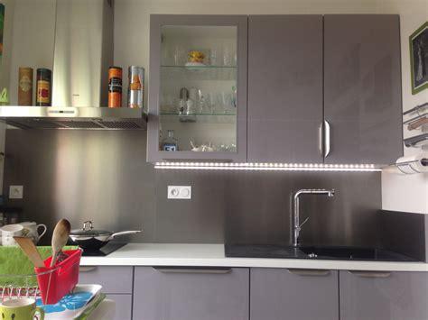 re led cuisine pose de cuisine crédances inox éclairage led aube