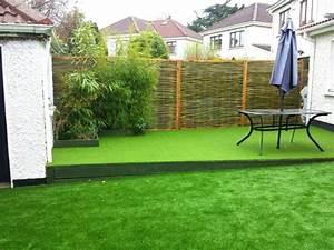 Decoracion de jardines con cesped artificial 50 ideas for Jardines pequenos con cesped artificial