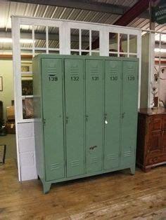 metal lockers on school locker storage