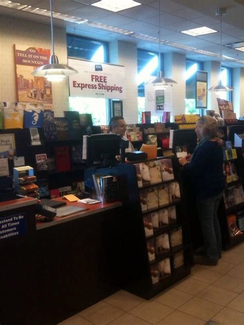 barnes and noble waco a cashier helping a cust barnes noble office