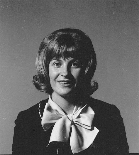 Her last appearance in the charts was 1970. Skeeter Davis Photos