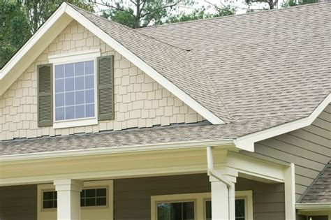 shingle house siding pictures standout suburban homes with shingle siding hinsdale il