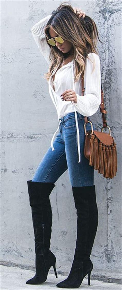 outfits de jeans  botas largas otono invierno