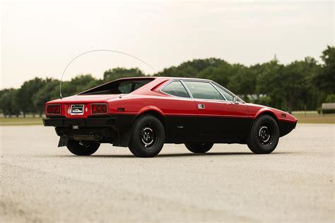 Llamado así en homenaje a un hijo fallecido de enzo ferrari, sus formas fueron obra de bertone, el diseñador italiano conocido. Safari 1975 Ferrari Dino 308 Off-Roader Was Clearly Not Approved By Maranello, But We Love It ...