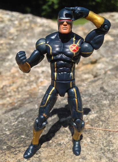 Cyclops Marvel Infinite Figure Series Toy Right