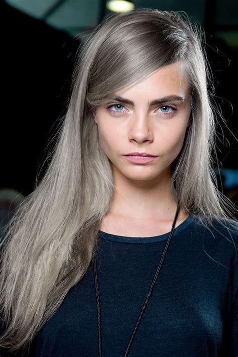 silber blond haare cara delevingne mit grauem haar hair haarfarben