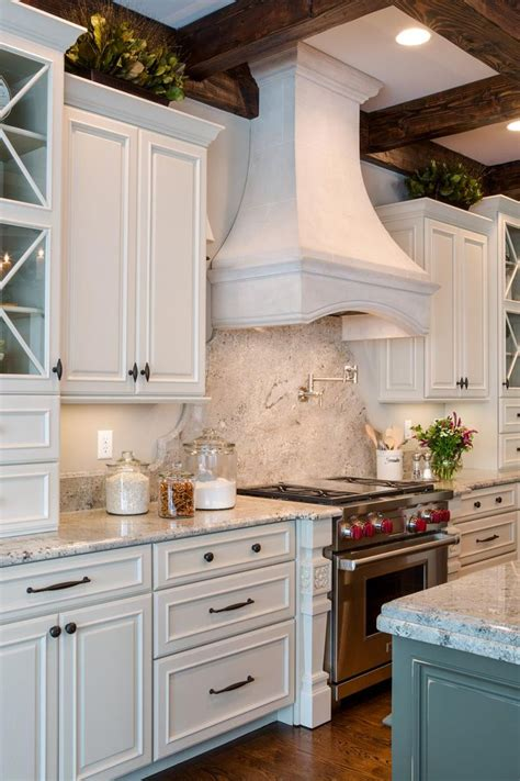 how to a kitchen backsplash best 25 traditional kitchens ideas on 8828