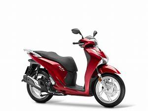 Honda 125 Scooter : honda sh125i updated for 2017 visordown ~ Medecine-chirurgie-esthetiques.com Avis de Voitures