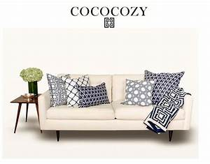 Couch pillow arrangements pillows and throw on sofa for Sectional couch arrangement ideas