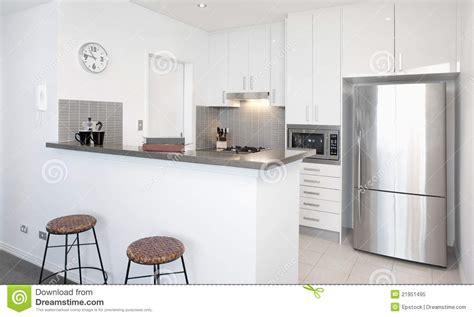 image cuisine blanche cuisine blanche moderne photo libre de droits image