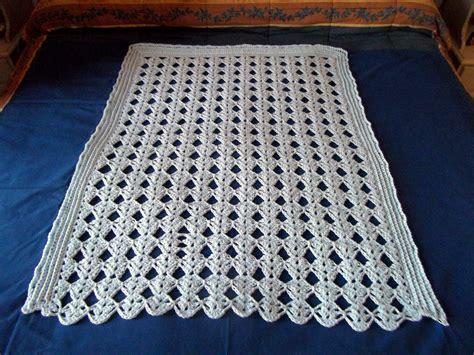 coperte per coperte all uncinetto per aiutarci a sopportare il freddo