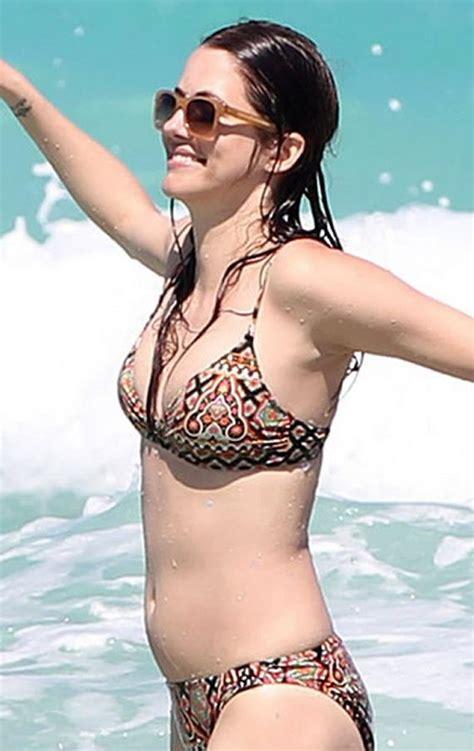 julie gonzalo   bikini barnorama
