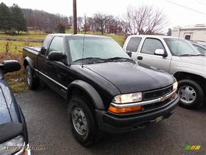 2000 Chevrolet S10 Ls Extended Cab 4x4 In Onyx Black