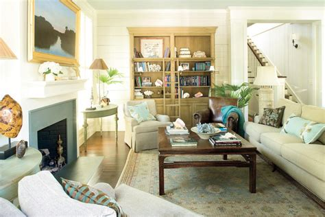 Southern Living Living Room Ideas : Accessorize With Local Pieces