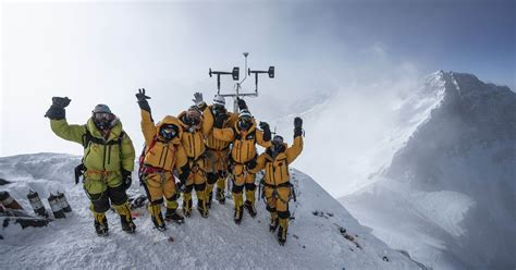 everest expedition breaks record  installation