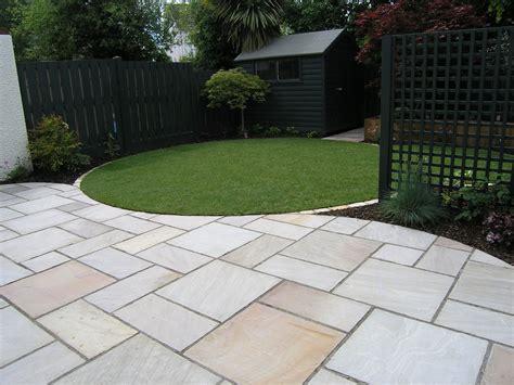 Garden Paving, Circular Lawn