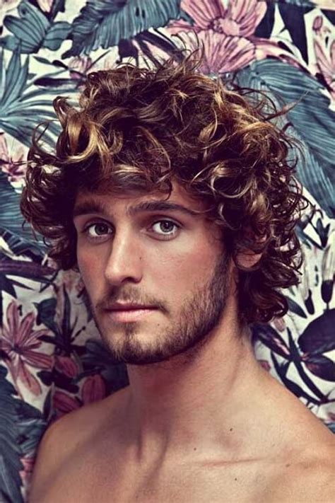 45 Amazing Curly Hairstyles for Men: Inspiration and Ideas