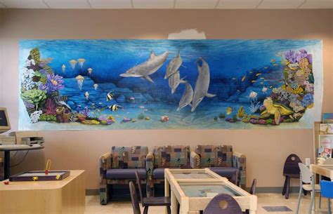 nebraska artist undersea mural   childrens hospital