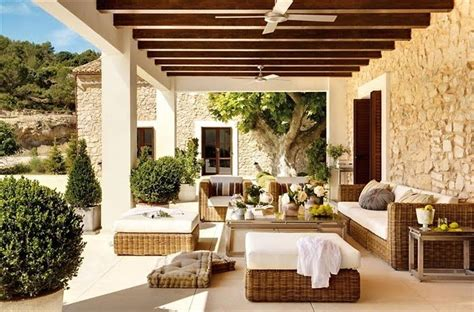 beautiful rooms cool and relaxing patios and porches