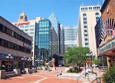 File:Downtown Rochester, MN-Peace Plaza.jpg - Wikimedia ...