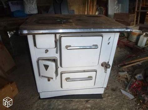 cuisine vintage 馥s 50 les 25 meilleures idées concernant cuisinières vintage sur appareils de cuisine rétro cuisinières antiques et poêle antique