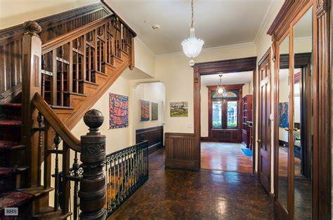 Picturesque Upper West Side Brownstone With Skylit Art Quality Dental Arts Columbia Mo Art Shoes Barcelona Batman Abstract Easy Canvas Prize Winnings Deco Jewelry Box House Plans Decoart Romania