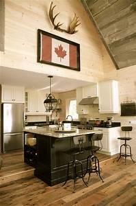 Cozy rustic lakefront cottage