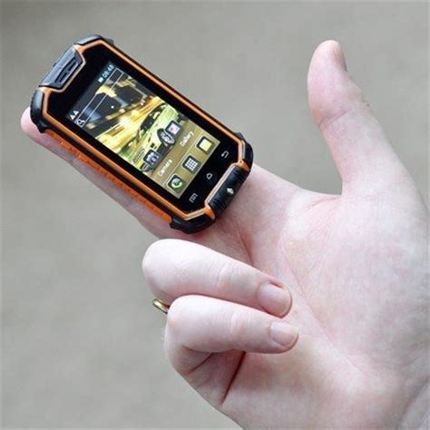 small smartphone what is the smallest smartphone that runs on a modern