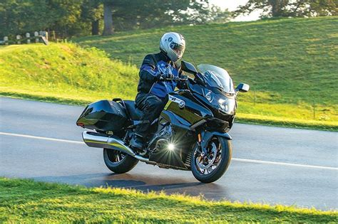 Review Bmw K 1600 B by 2018 Bmw K 1600 B Bagger Road Test Review Rider Magazine