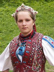 Hungarian girl in traditional clothing. (Hungary, Eastern ...