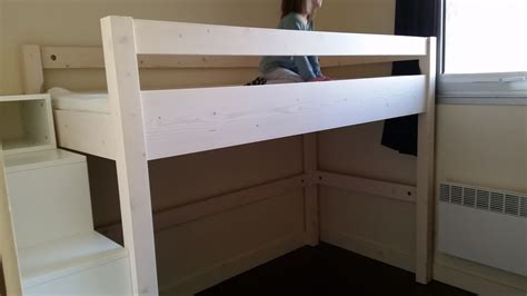 jeu de chambre lit mezzanine sur mesure et escalier coffre de rangement