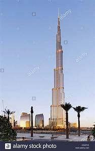 Längste Gebäude Der Welt : burj khalifa kurz vor sonnenuntergang das h chste geb ude der welt 828m hoch emaar boulevard ~ Frokenaadalensverden.com Haus und Dekorationen