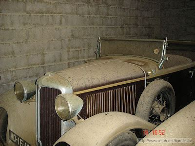 amazing barn finds amazing barn find of antique cars