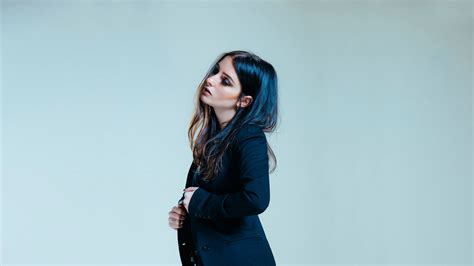 """Banks Drops """"fk With Myself"""" With Interesting Visuals"""