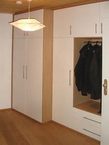Garderobe Flur : diele garderobe flur oder treppenhaus schreinerei aschauer ~ Pilothousefishingboats.com Haus und Dekorationen